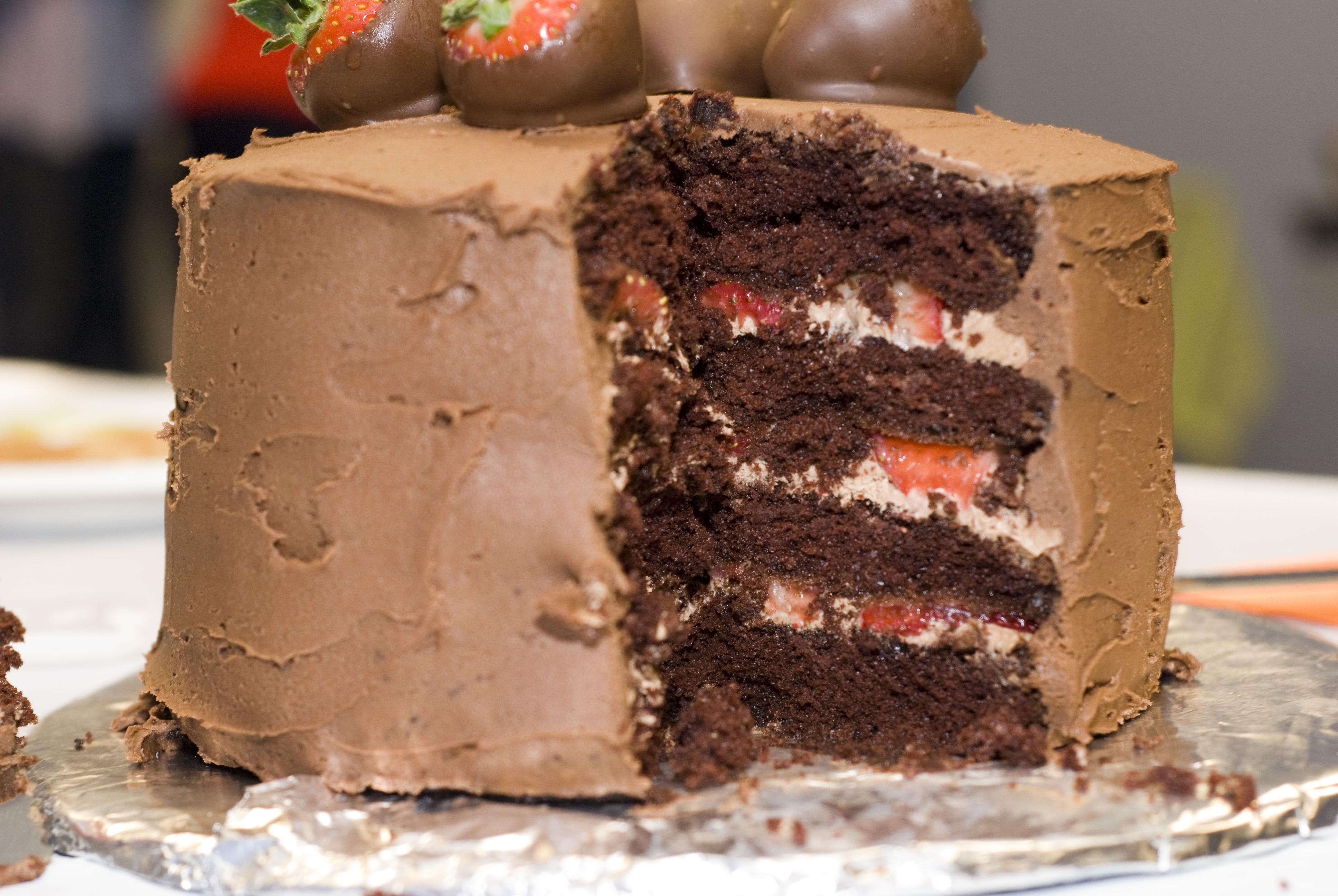 Chocolate Covered Strawberries Birthday Cake Chocolate covered ...